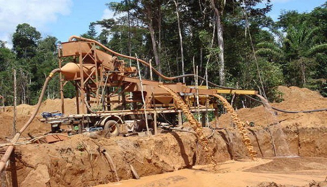 Brazilian Diamonds - Alluvial mining in Brazil