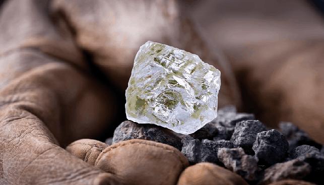 rough diamond Diavik Foxfire