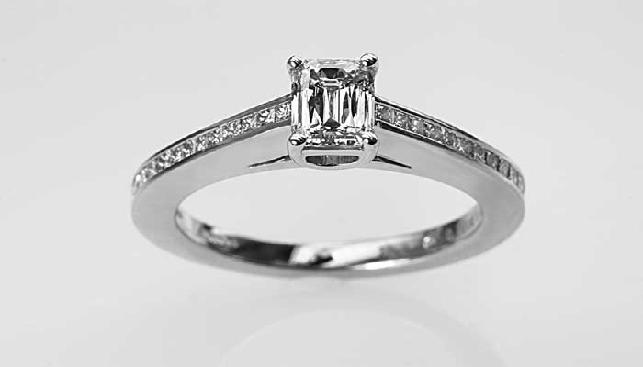 Diamond ring by Avi Paz