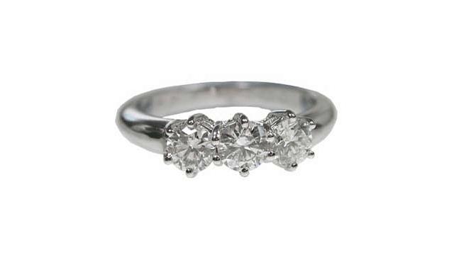 Kristal's Three Diamonds ring