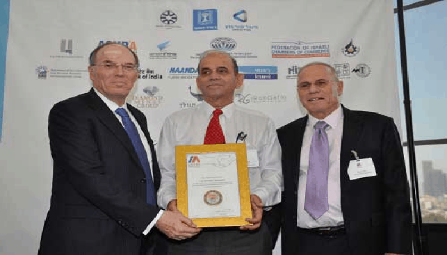 Leo Schachter receives exporter award