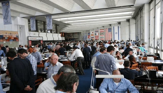 Packed trading hall during the US & International Diamond Week in Israel