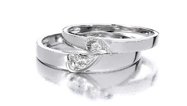 Luk-Fook Diamond Rings