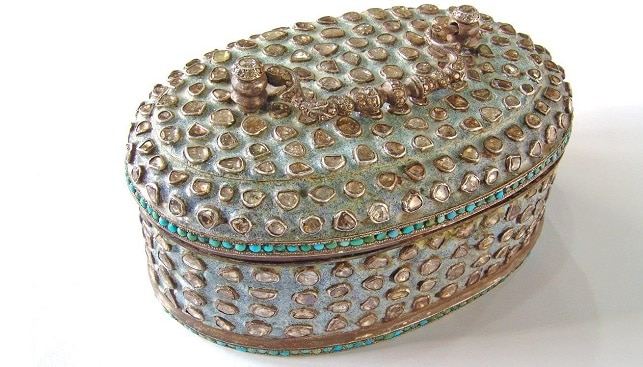 Indian_Jewelry Diamond, Turqouise and silver oval box from Kasliwal collection