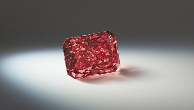 Argyle Everglow 2.11 carat radiant shaped Fancy Red