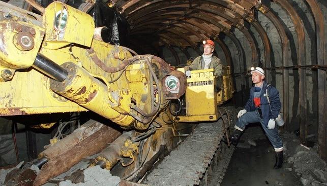 Underground diamond mining miners