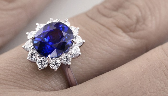 Blue sapphire diamond ring