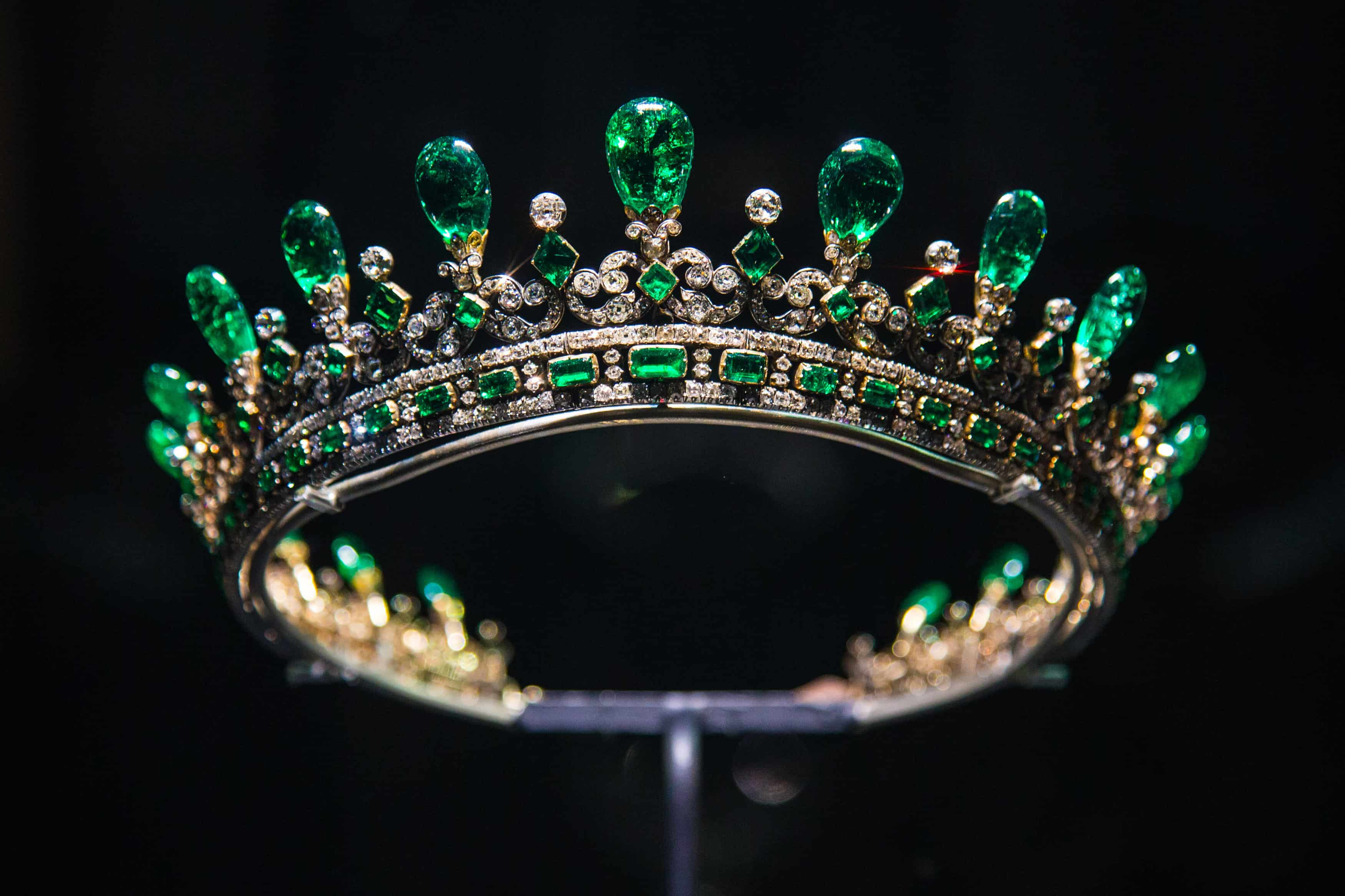 Queen Victoria diamond emerald