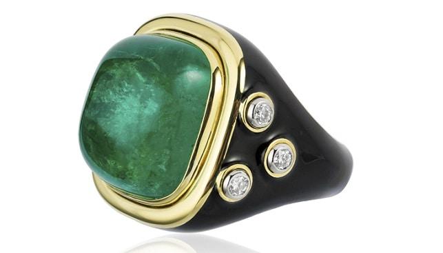 Emerald ring Ricky Martin
