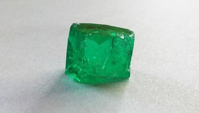 Fura rough emerald