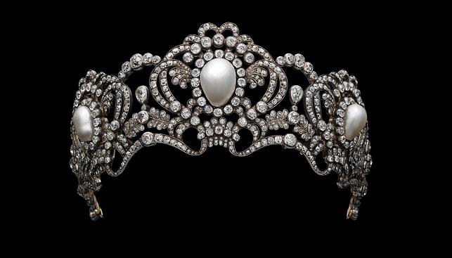 marie valerie pearls tiara