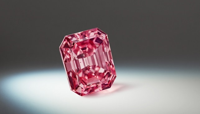 largest Vivid Pink diamond -