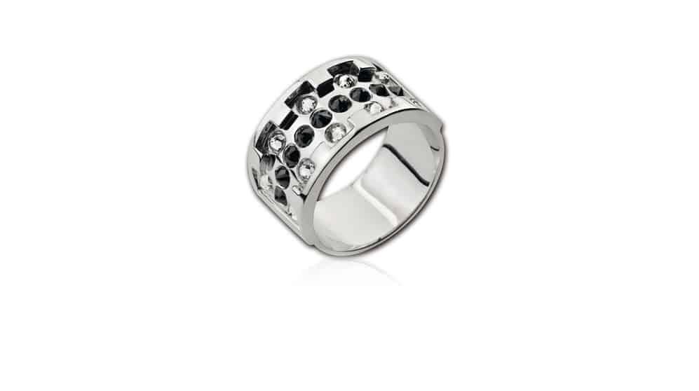 Man ring white clack diamond
