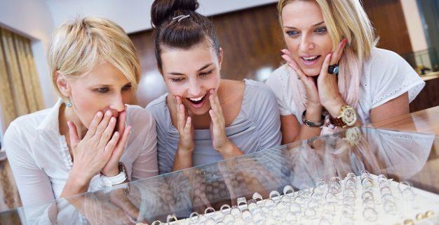 women diamond jewelry store