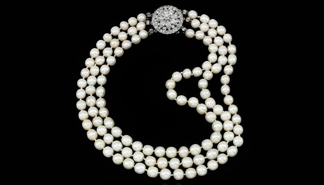 pearl necklace Marie Antoinette