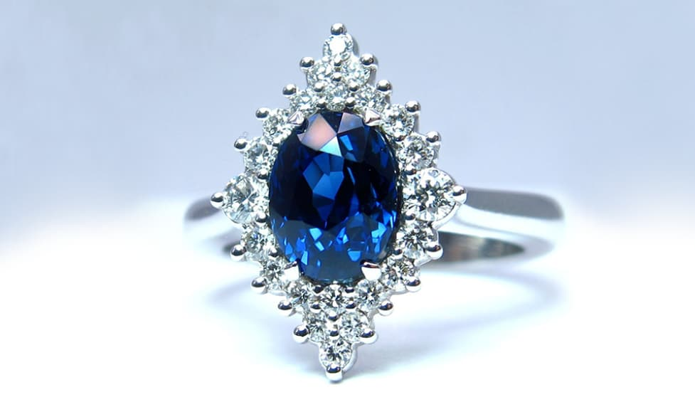 Blue sapphire and diamonds ring