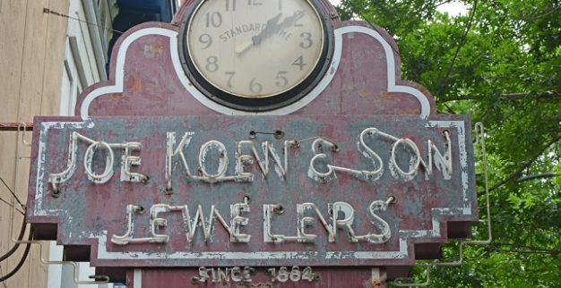 veteran jewelry store America