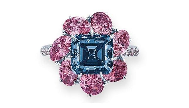 coloured diamond ring moussaieff