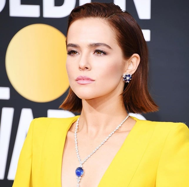 zoey deutch diamond jewelry at the golden globe