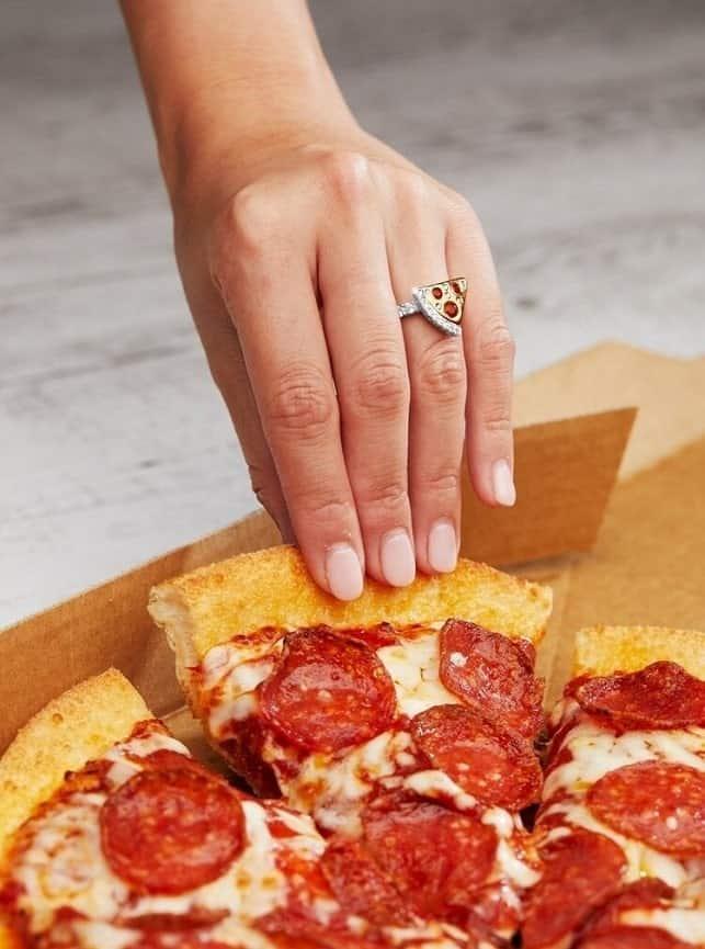 diamond ring dominos pizza