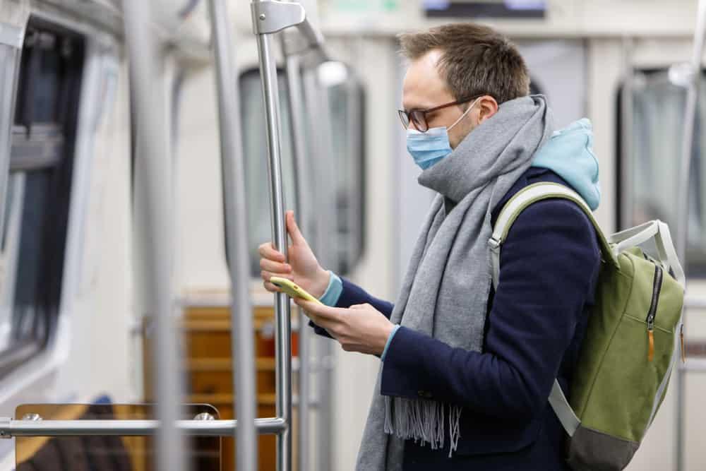 coronavirus train passanger in europe