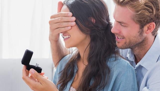 marriage proposal diamond ring